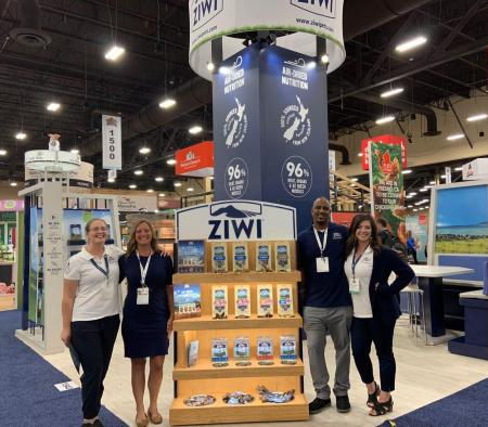 ZIWI North American team at SuperZoo 2019